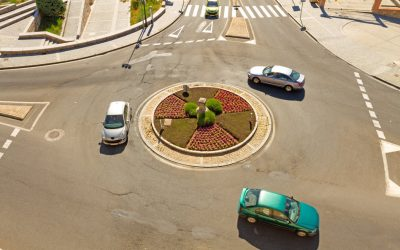 How to approach a roundabout